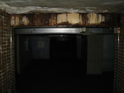 秘密の地下道