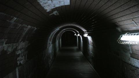 出るトンネル