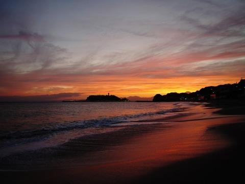 無縁仏の海