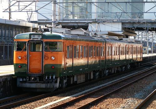 【海外の反応】25秒ずれただけで謝罪会見を…時間に厳格な日本の列車の発車時間