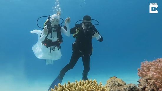 married-in-underwater6