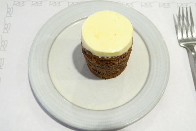 【銀座】キュートでヘルシー!なキャロットケーキが人気のオシャレカフェ。「ローズベーカリー 銀座 (Rose Bakery)」