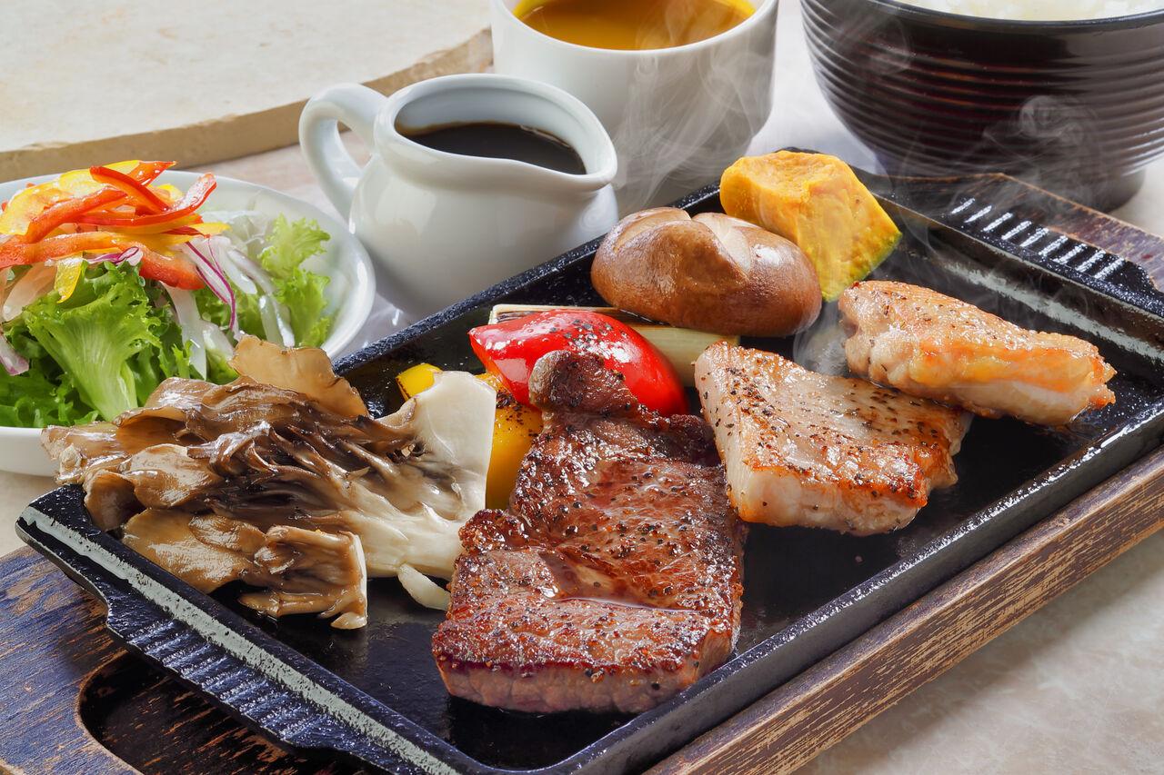 マウナヴィレッジ 福島県産3種のお肉盛合せ