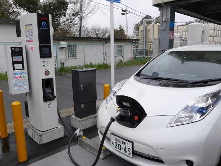 20150410電気自動車充電器2