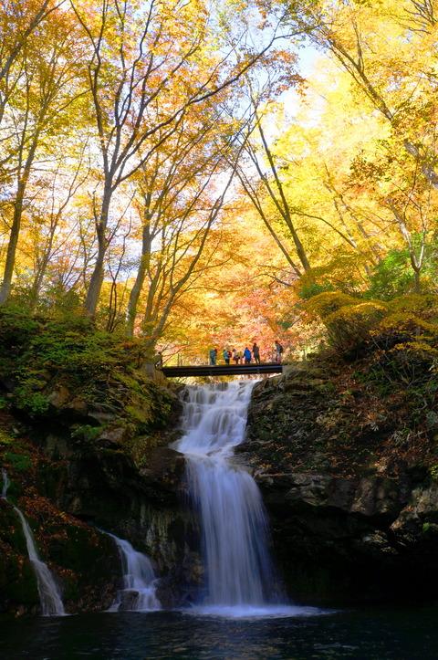 6魚止滝(あだたら渓谷奥岳自然遊歩道)