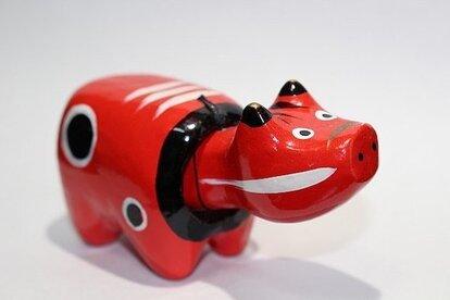 赤べこ。写真はイメージです(Wdqhさん撮影、Wikimedia Commonsより)