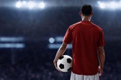 サッカー界でレジェンドが引退を続々と発表! その偉業とは!?