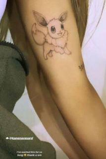 米歌手アリアナ・グランデ(25)がポケモン「イーブイ」タトゥーを腕に