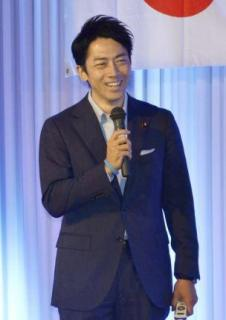 小泉進次郎氏、育休取得を検討 来年の第1子誕生で