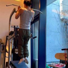 木村拓哉、自宅でのトレーニング姿に賛否の声「ストイックさは凄い」「痩せすぎ」