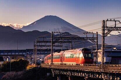 「小田急ロマンスカー カレンダー 2021」:最優秀作品(1月)