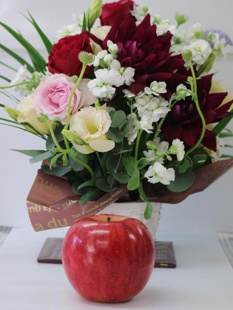 花&リンゴ