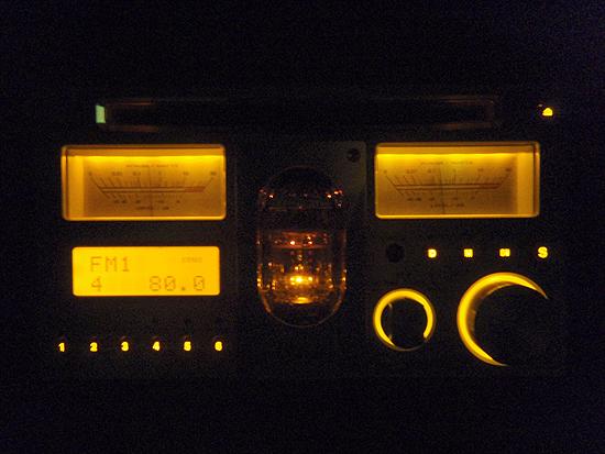 B♭TUBE パナソニックの真空管を使ったカーオーディオです。