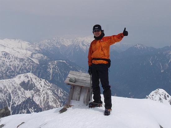 氷と岩の山頂とったどぉ〜!
