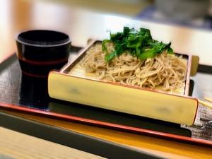 お昼は、ニラ蕎麦