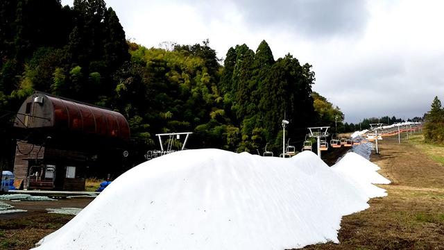 昨年の人口造雪の様子