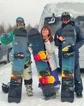 デフリンピックに出場する阿部由紀子さん(中央)=北海道内
