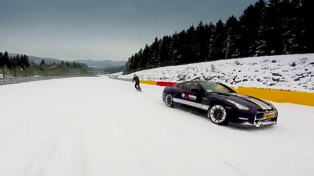Nissan GTR vs Snowboarder