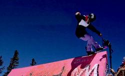 Gnu Snowboards ガールズチーム ラインディングムービー