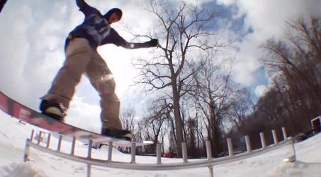 Tyler Mayのパークエディットスノーボードムービーのキャプチャ画像