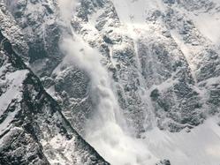 場所によっては6月に雪崩が起きる例もあるそう。最近は登山ブームですが、暖かくなっても油断せず、雪崩の危険性がないか、事前にしっかり調査しておきましょう