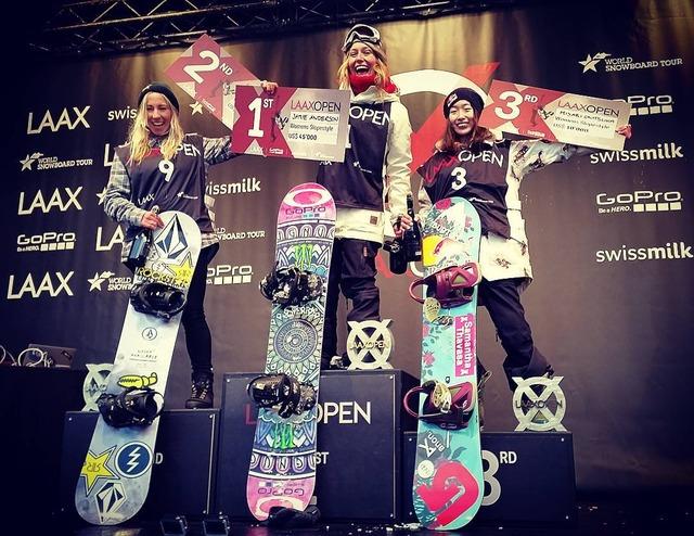 women_podium2