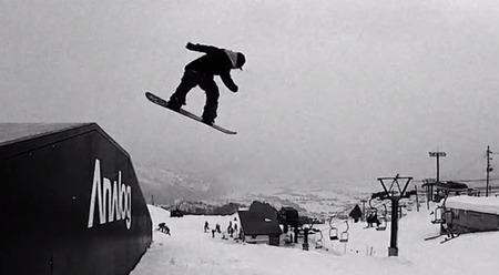阿部祐麻のスノーボード写真
