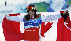 2月16日、バンクーバー五輪の女子スノーボードクロスでリカーが優勝(2010年 ロイター/Mark Blinch)