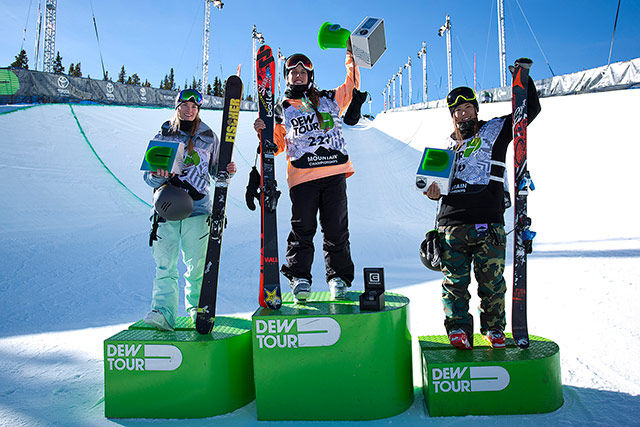 womans_pipe_final_podium_dew_tour_breckenridge_ortiz_107_640