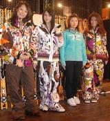 左から湯之上知子、秦みずほ、今井メロ、深澤優希(オリコン)