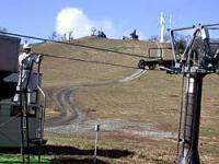 リフトの点検などが本格的に始まったスイス村スキー場ゲレンデ