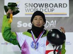 平岡が五輪テスト大会ハーフパイプで優勝、スノーボードW杯