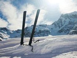 本格的なスキーシーズン到来。スキー場では降雪量の減少が懸念される(写真提供:NPO法人雪の都GO雪共和国)