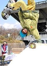 長野運動公園で雪のイベント 戸隠スキー場から30トン
