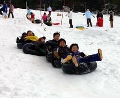 一昨年のまつりの様子。2年ぶりの開催へ降雪を心待ちにしている