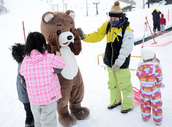 マスコット「だいちゃん」登場 会津高原だいくらスキー場
