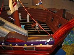 海賊船をテーマにしたキロロリゾートの屋内施設「グランシップ」