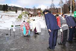 1季限りの村営スキー場 王滝で村長ら安全祈願