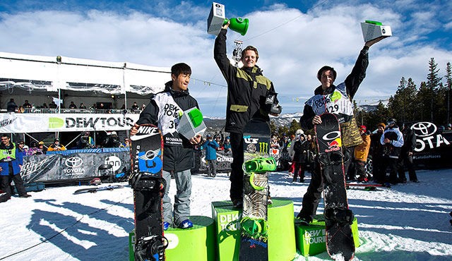 mens_pipe_final_podium_dew_tour