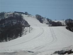 残雪十分、スキーいかが? 小樽