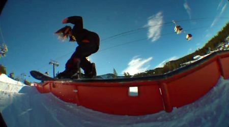 トミー・ゲスメのスノーボード レールトリックの写真