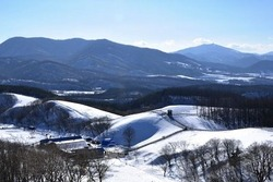 2018年に韓国江原道平昌で開催される平昌冬季五輪が、深刻な雪不足に頭を抱えている。五輪が開催されるのは2月9日から25日までの17日間だが、温暖化の影響でこの間の平均気温が最高気温、最低気温ともに上昇しているほか、積雪量も減少する一方という。同国では五輪を成功裏に終えるためにも、徹底した対策が必要だとする声があがっている。(イメージ写真提供:123RF)