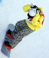 男子ハーフパイプ予選1回目、納得いかない滑りに頭を抱える国母和宏