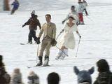 白馬村のスキー場で雪上結婚式が行われた