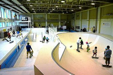 スケートボード施設