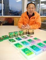 「滑りの良いワックスで、ぜひ金メダルを」と期待する佐藤純一・ガリウム営業部長=仙台市で、斎藤有香撮影