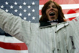 男子ハーフパイプ、優勝を喜ぶホワイト(米国)=バルドネッキア