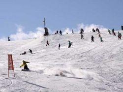 びわ湖バレイスキー場がオープン。雪遊びが楽しめる「スノーランド」や23時までのナイター営業「Cruise23」、スノーパークなどアトラクションが楽しめる。(びわ湖大津経済新聞)