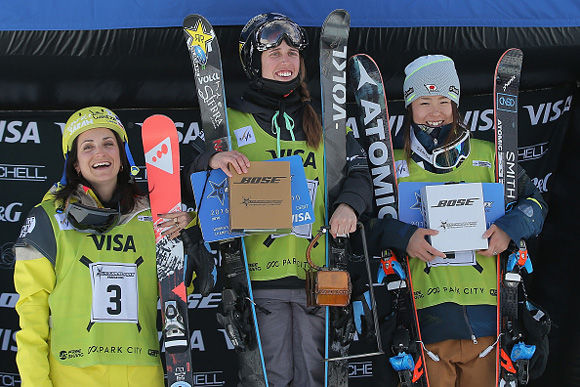 women's-podium