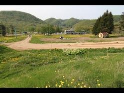 写真=園内や農園の様子【記事を読む】札幌にレジャーパーク型自然農園「コバヴィレッジ」−旧スキー場の土地活用(2012-05-22)